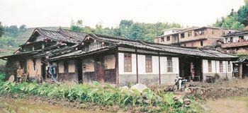 王叔金在1910年26岁时第三次回到中国老家,並且提供金钱建设住家,取名「金兴堂」。