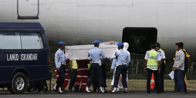 【QZ8501亚航空难】印尼海军取消打捞机身