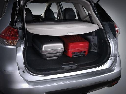 在后座椅背还未倾倒的情况下,X-Trail后车厢的装载能力表现也相当不错。