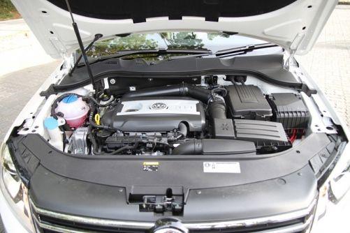 1.8公升涡轮增压引擎,让The Passat在同级车之中的动力表现佔有一席之地!