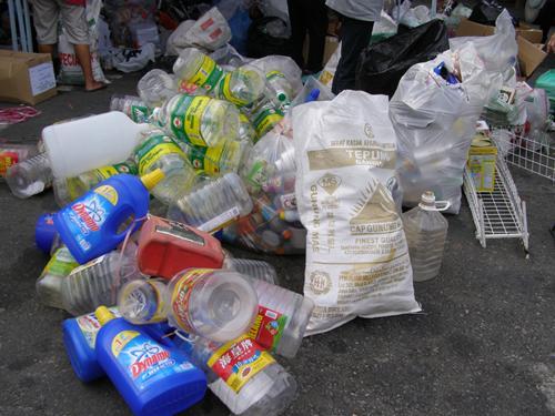 检拾废弃物品挣钱越来越吃香。