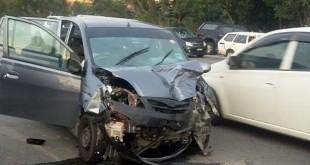 男死者的威华车头损毁不堪。