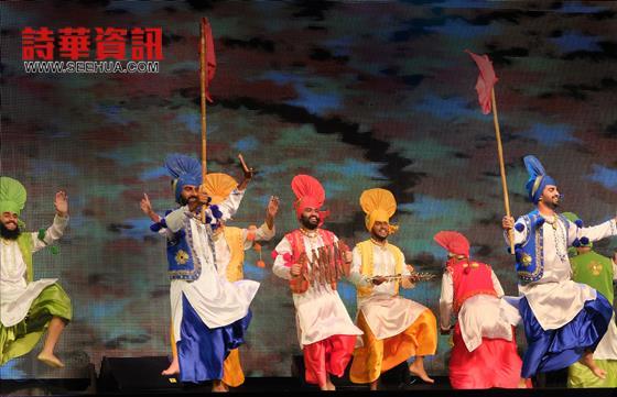 远从印度表演团呈献《Jhummar》。