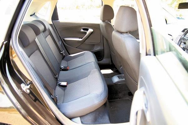 后座空间较窄是掀背Polo的缺点,但对于都会一人一车的趋势,这点影响或许并不大。