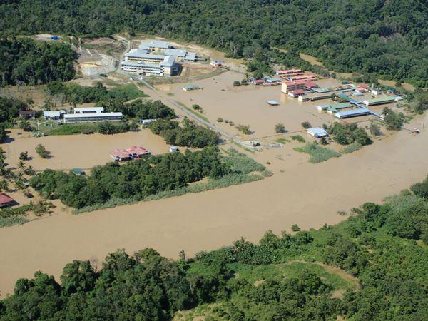 杜多河涨溢让弄巴乃灾情告急。