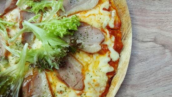 烟熏鸭披萨Smoked Duck Pizza