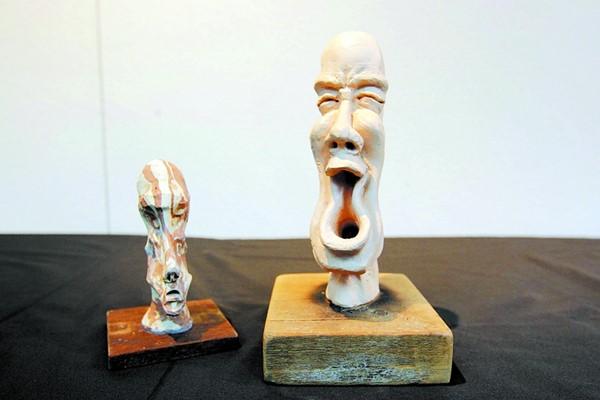 經過多年的經驗累積, 陳偉炎的「草稿」人物塑像愈做愈進步, 相比之下,如今人物塑像的體積除了有所增長外,反映出情緒的表情也漸變得更豐富。