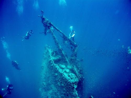 好心痛这个曾是潜水人的天堂今已面目全非。